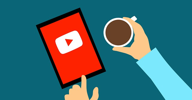 ¿Cómo Youtube gana dinero?